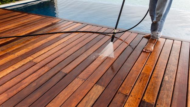 deck-by-pool-gutterman
