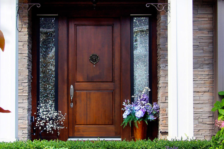 5 Signs That You Need a New Door